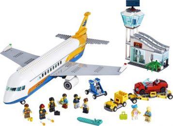 Lego Vliegtuig met vrouwelijke piloot en man met baby